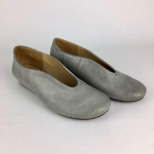 Chocolat Blu Vail Gray Leather Slip On Flats 6.5